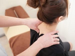 【症例】いつも肩が凝っている 時々痺れも出る(43歳女性)